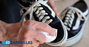 como-cuidar-y-lavar-mis-zapatillas-de-vestir