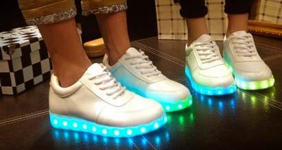 6bcd47328a6 Zapatillas Con Luces Led Para Niñas  Compre nuevos zapatos de luz ...